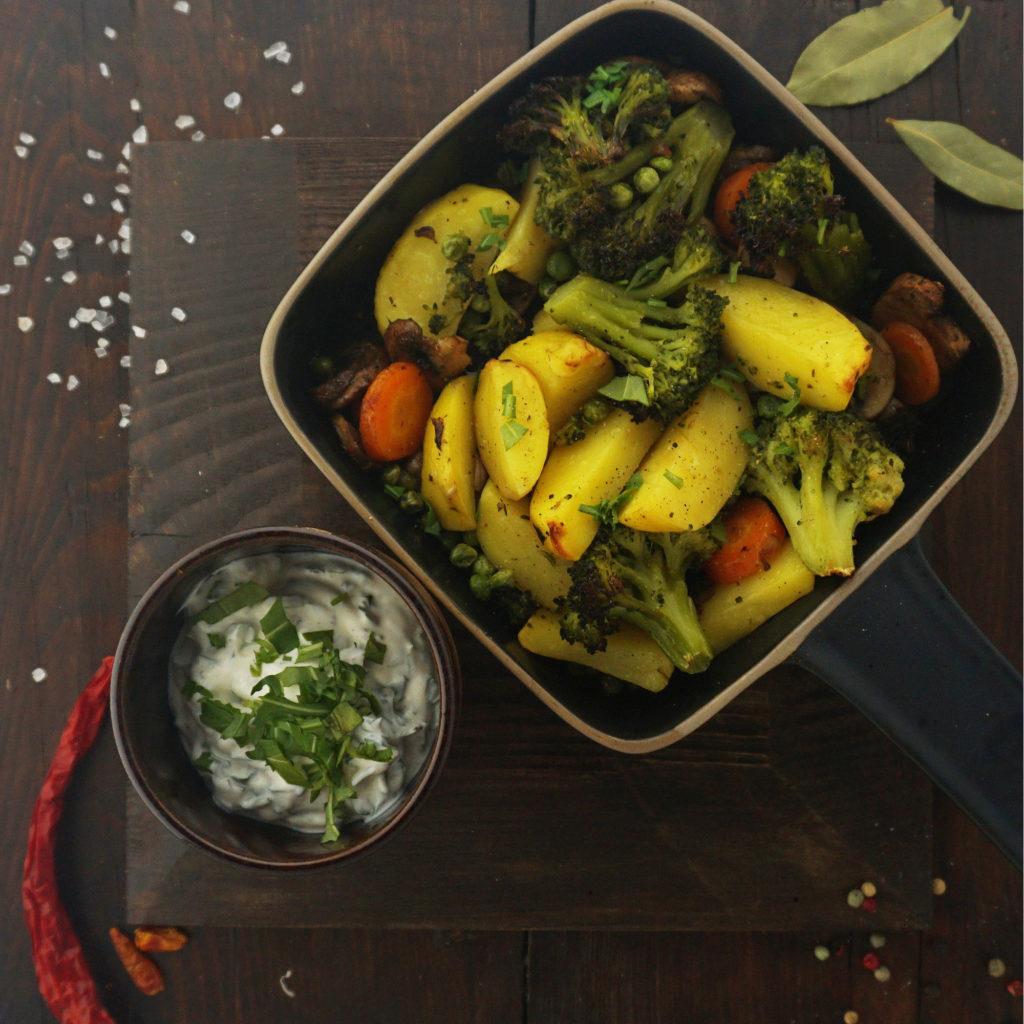 Rezepte bei Osteoporose Gemüsepfanne mit Rucola-Dip
